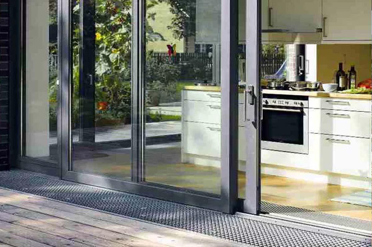 двери алюминиевые и пвх